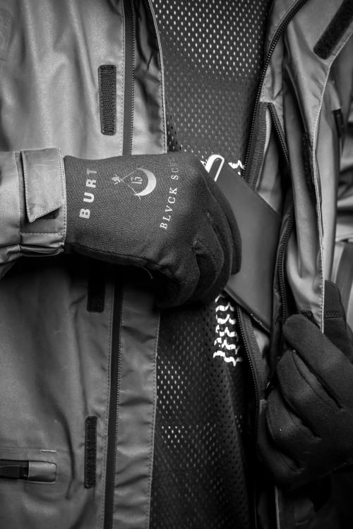 burton-black-scale-winter-collection-08